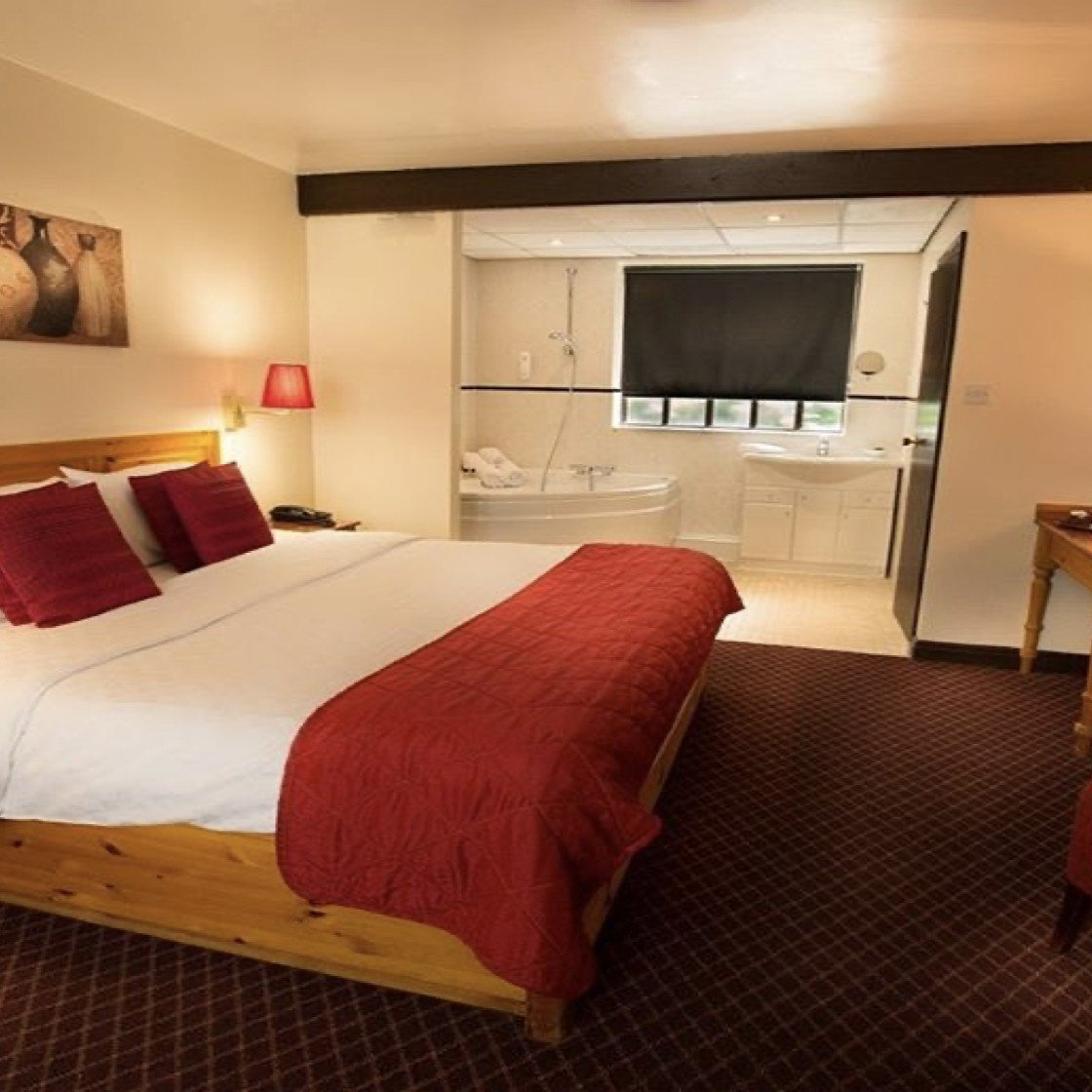 Executive room at Guy's Canalside Lodge