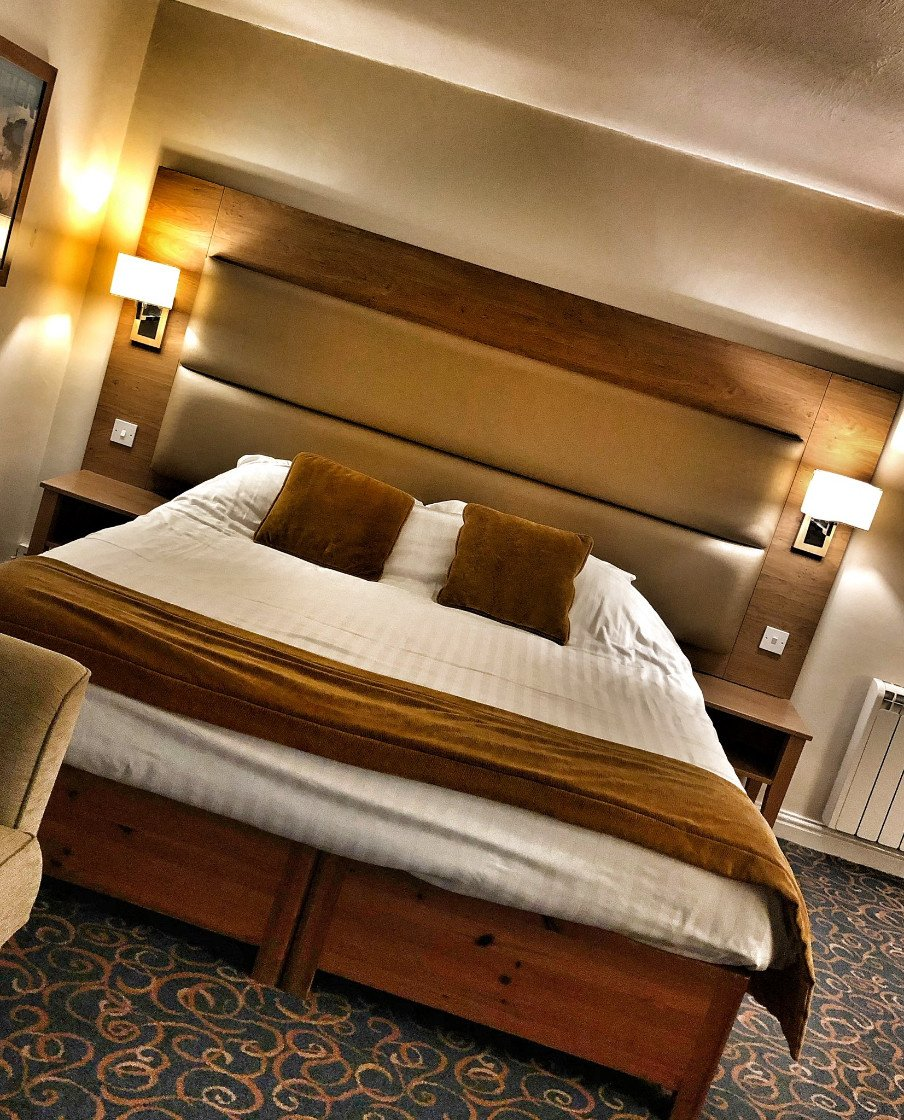 Standard room at Guy's Canalside Lodge